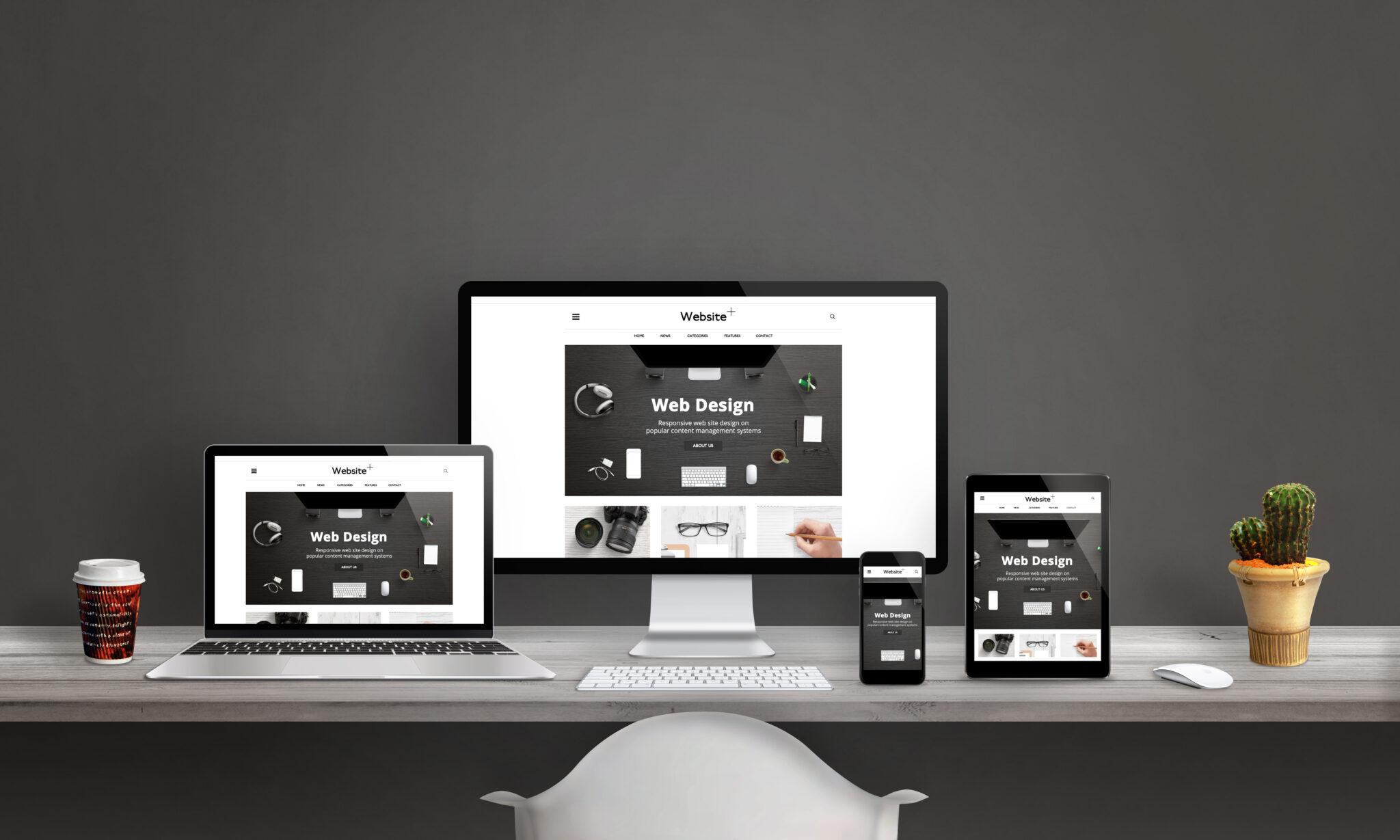 Website auf Tablet, Smartphone und Desktop