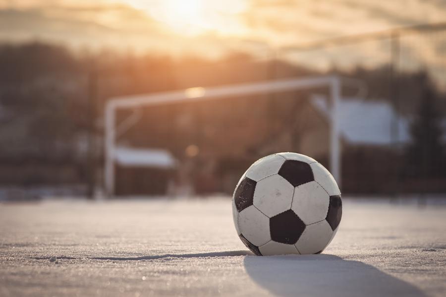 WM 2022: Fußball im Schnee