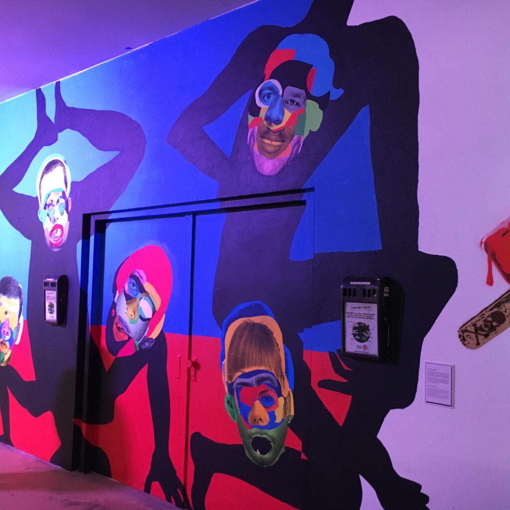 Hafengeschichten Blogfoto Menschen-Affen Millerntor Gallery