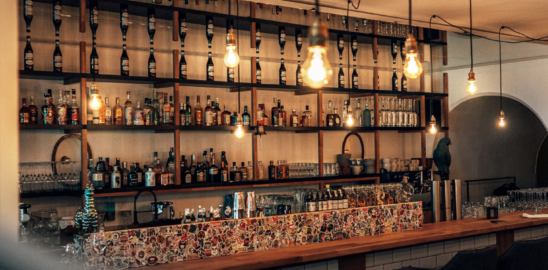 STRIZZI Interior Design Bar