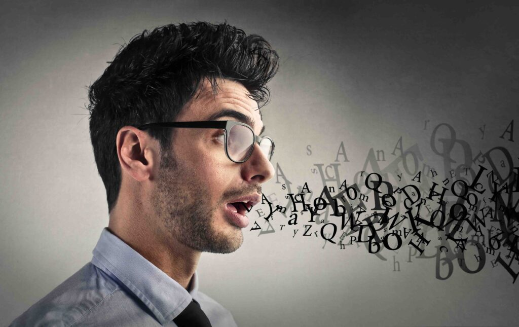Gesellschaftsspiele: Buchstaben aus dem Mund eines Mann
