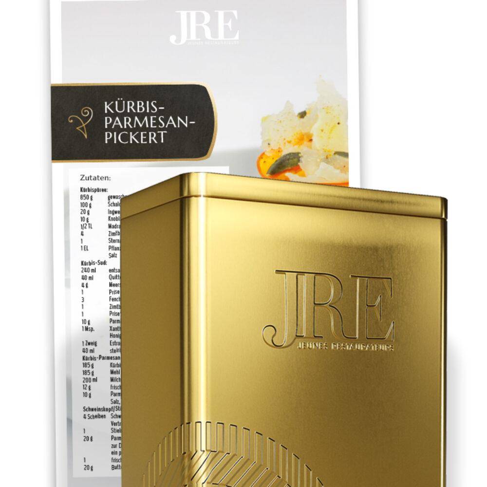 JRE Deutschland Rezeptsammelkartenbox mit Rezept im Hintergrund