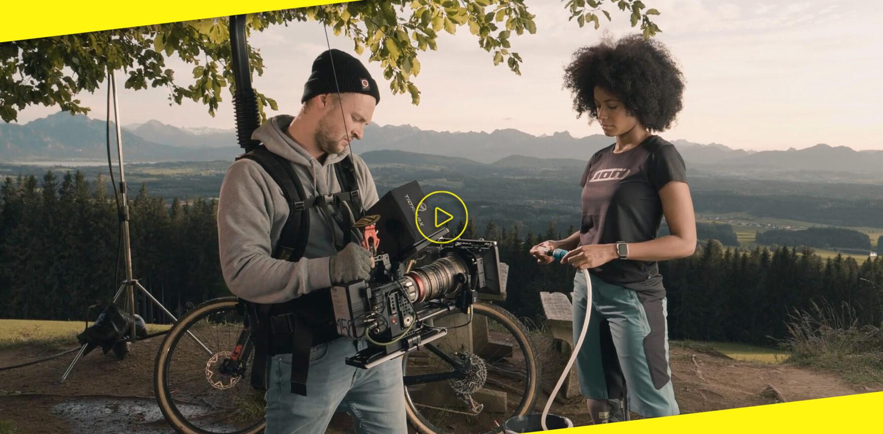 GLORIA MultiJet TVC Dreharbeiten Behind the Scenes Kameramann und Darstellerin
