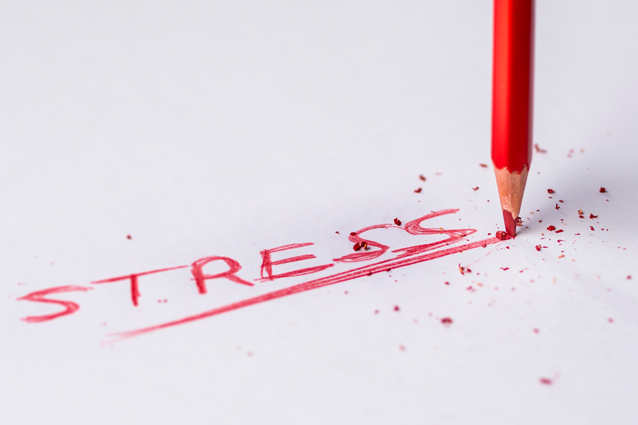 Stress in roter Schrift
