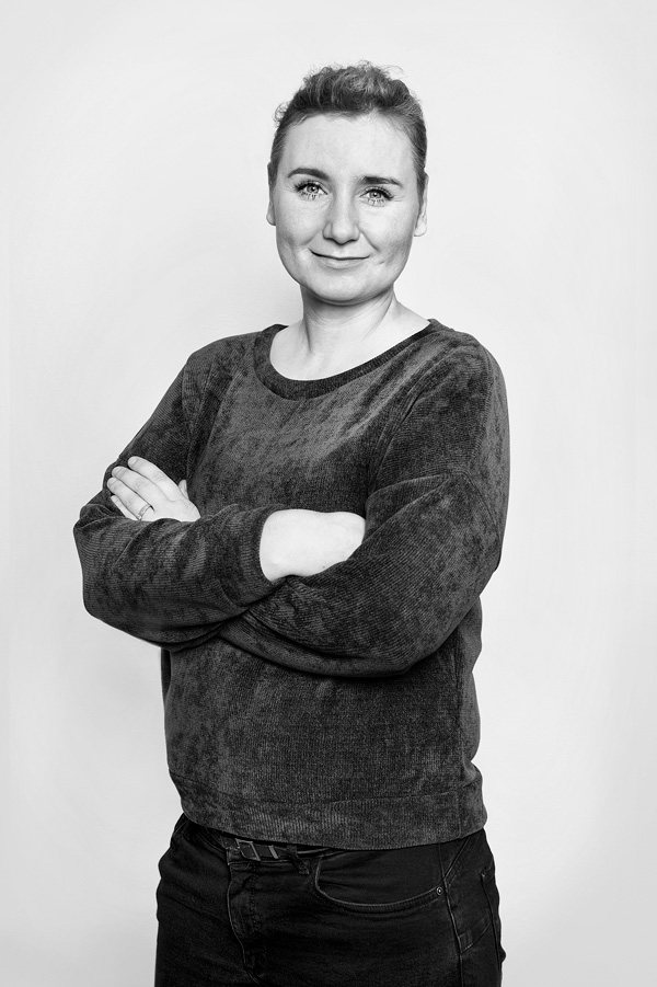Portrait Schwarz Weiß Christina Roth