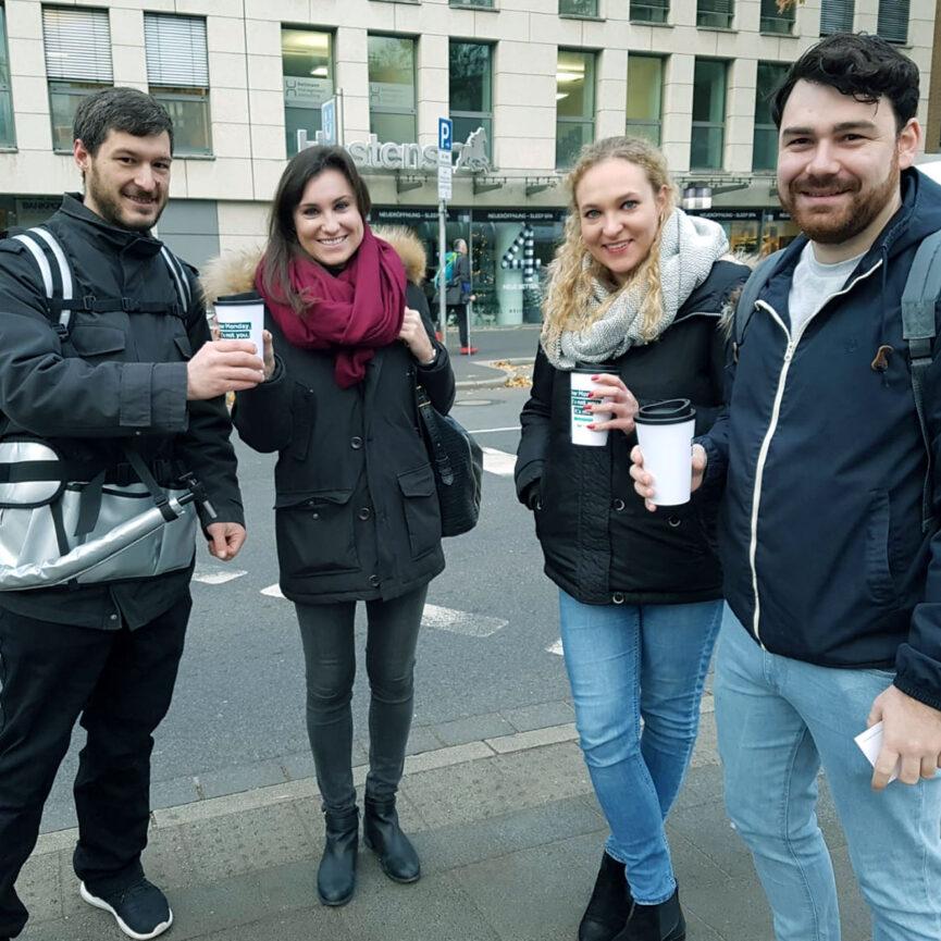 OOH-Maßnahme Kaffeeverteilung