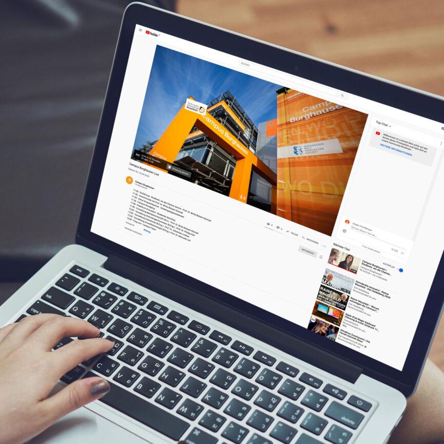 Virtueller Tag der offenen Tuer Campus Burghausen Laptop Startseite Website