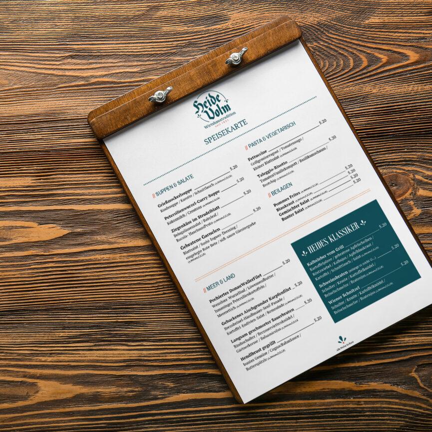 Editierbare Vorlage in Word Speisekarte mit wechselnden Angeboten auf Holz