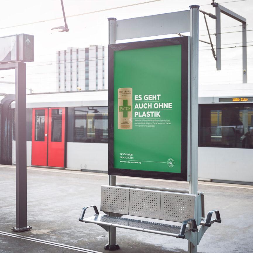 OOH Werbung Plakat Antonius Apotheke
